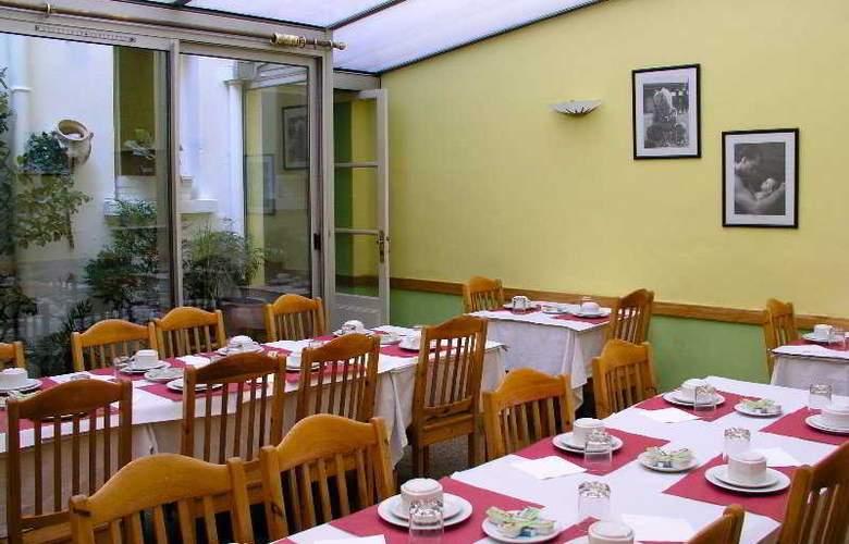 Du Roi Rene Hotel - Restaurant - 8