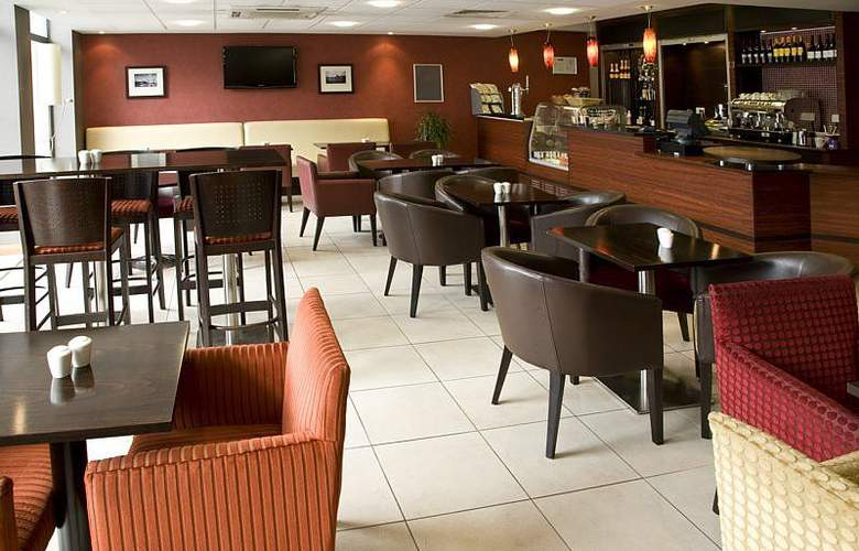 Premier Inn London City Tower Hill - Bar - 3