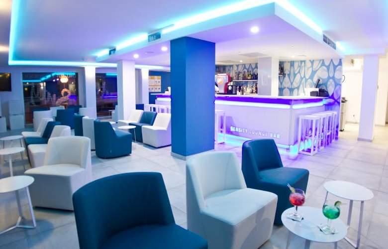 Triton Beach by Crea Hoteles (Sólo Adultos) - Bar - 4