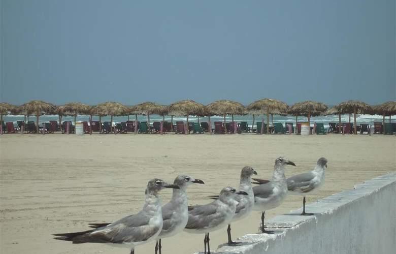 Best Western Expo-Metro Tampico - Beach - 73