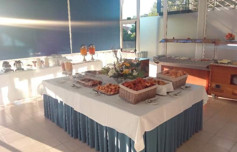 Evenia Monte Real - Restaurant - 9