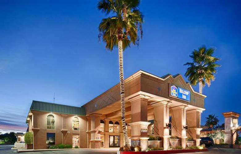 Best Western Plus Hilltop Inn - Hotel - 13