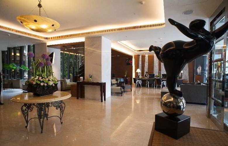 Azure - Hotel - 0