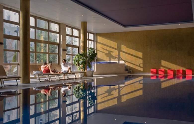 Adina Apartment Budapest - Services - 2