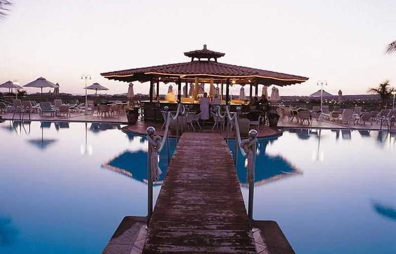 Vital Suites Residencia Salud & Spa - Bar - 8
