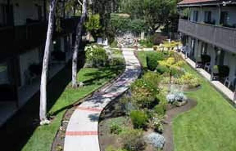 Quality Inn (San Simeon) - General - 4