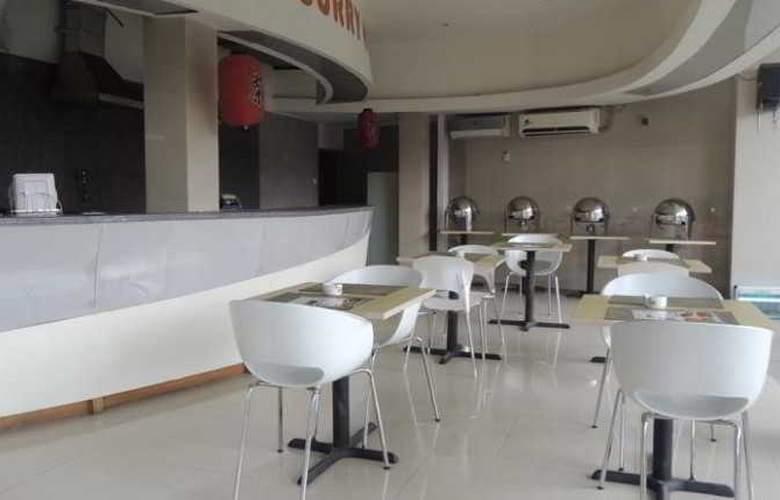 Space Hotel - Restaurant - 4