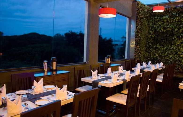 Sandesh Kingston - Restaurant - 9