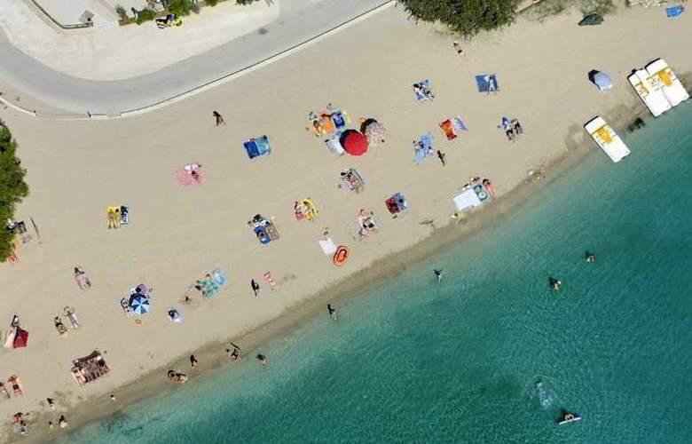Holiday - Beach - 12