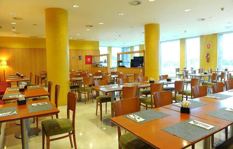 City Express Santander Parayas - Restaurant - 11