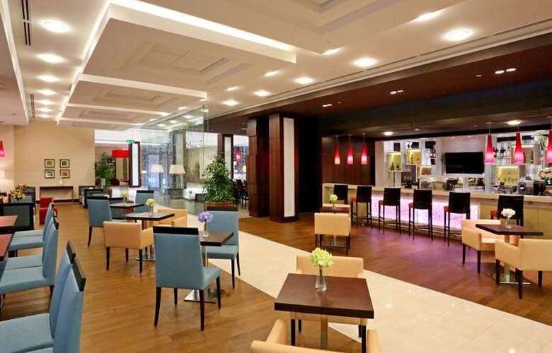 Hilton Garden Inn Astana - Bar - 3