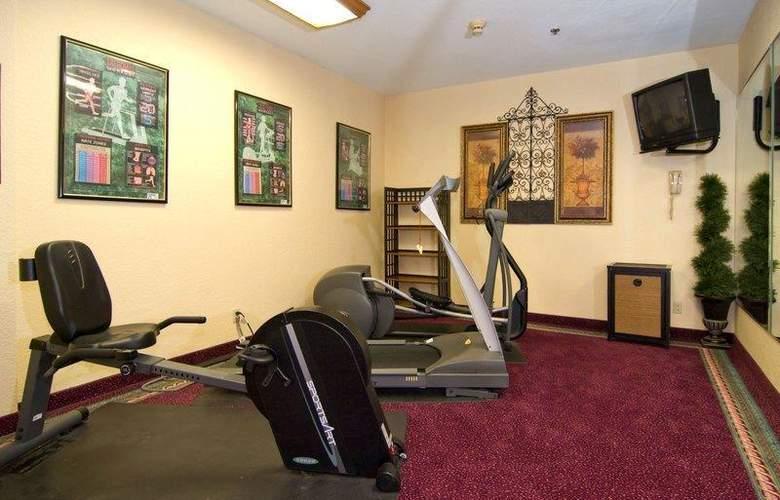 Best Western Alamo Suites - Sport - 37