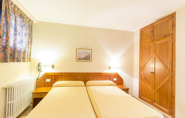 Paris Hotel - Room - 9