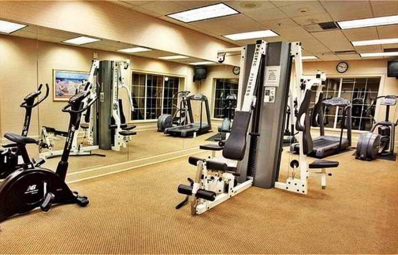 Holiday Inn Staten Island - Sport - 6