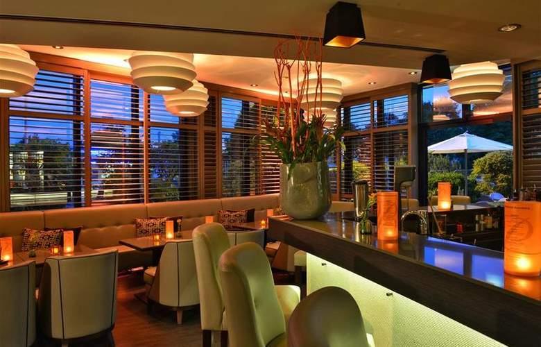 Best Western Premier Parkhotel Kronsberg - Bar - 41