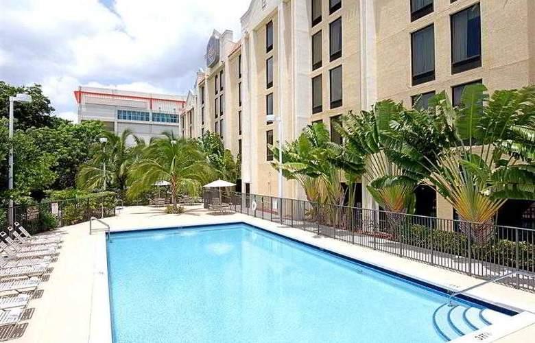 Best Western Plus Kendall Hotel & Suites - Hotel - 19