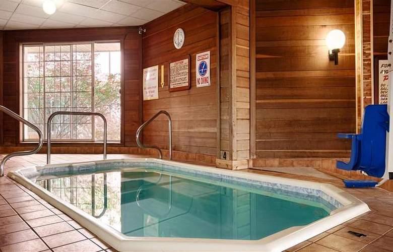 Best Western Greenfield Inn - Pool - 74