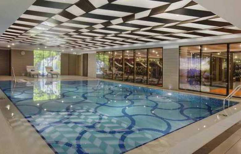 Doubletree by Hilton Istanbul Avcilar - Pool - 13
