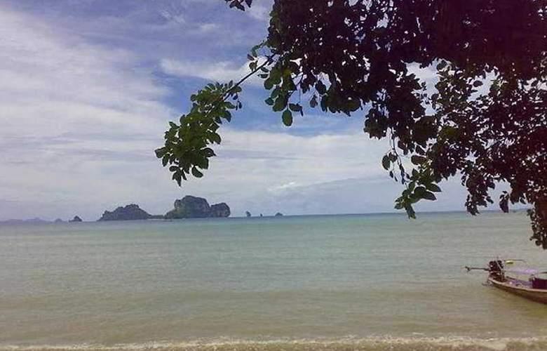 Tonsai Bay Resort - Beach - 7