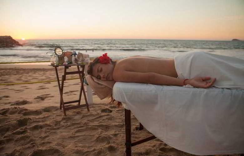 El Cid Marina Beach Hotel - Beach - 9