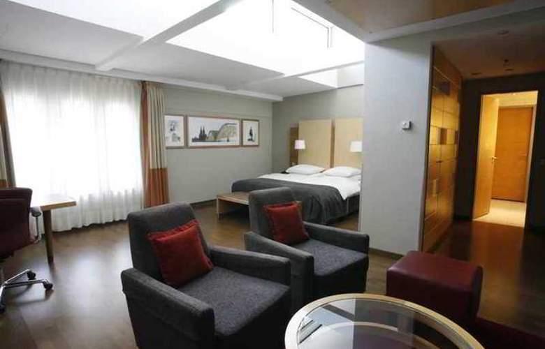 Hilton Cologne - Hotel - 14