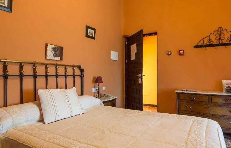 Palacio Guzmanes Hospederia Rural - Room - 11