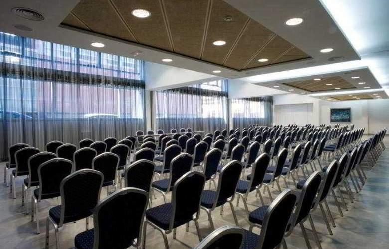 Gran Ultonia - Conference - 3