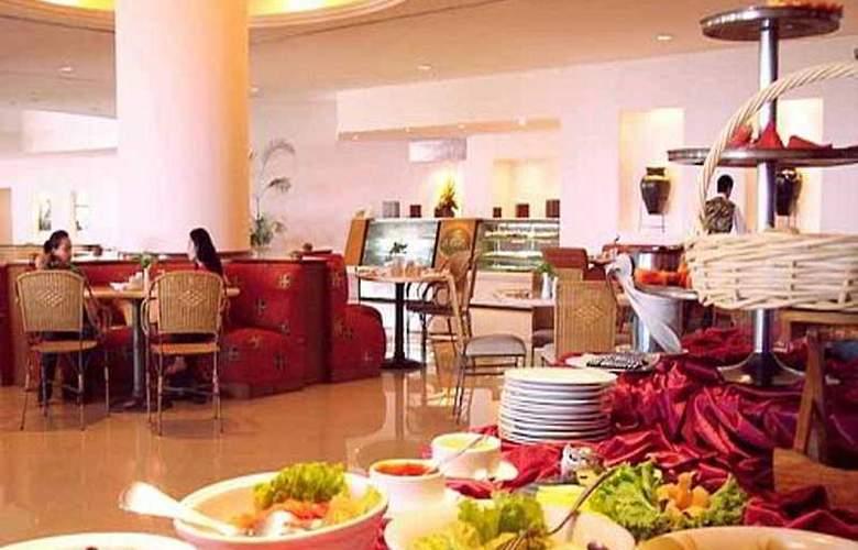 The Ritzy Hotel Manado - Restaurant - 6