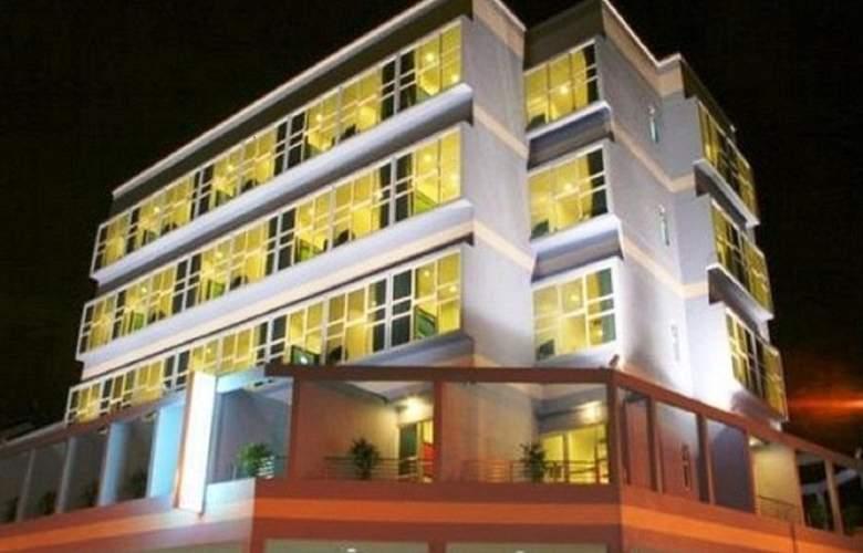 Hotel 81 Elegance - Hotel - 8