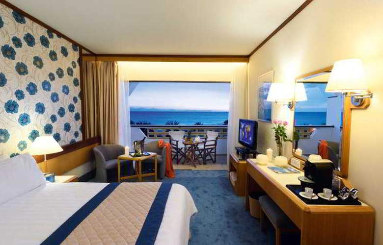 Constantinou Bros Athena Royal Beach Hotel - Room - 12
