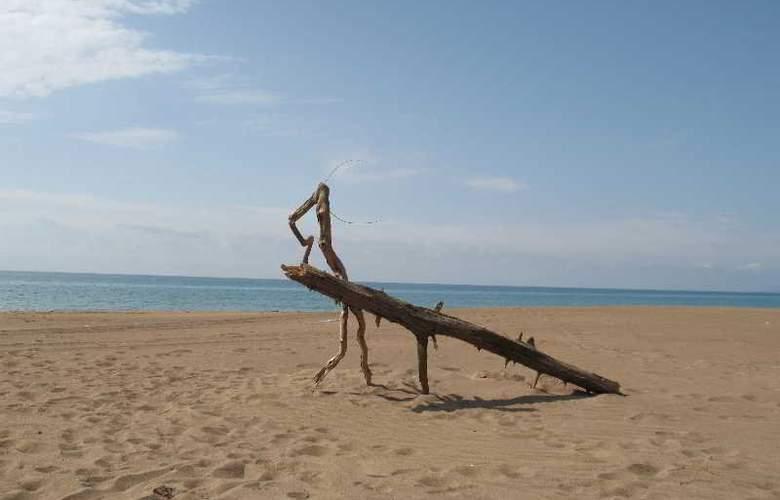 Athina - Beach - 5