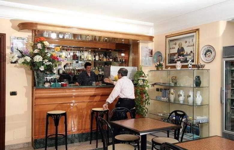 Hotel Carmencita - Bar - 5