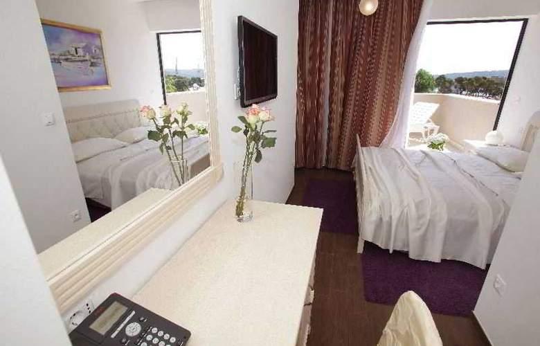 Aparthotel Bellevue - Room - 17