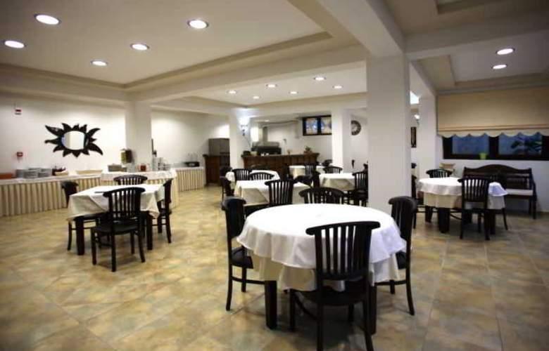 Sun Hotel - Restaurant - 3