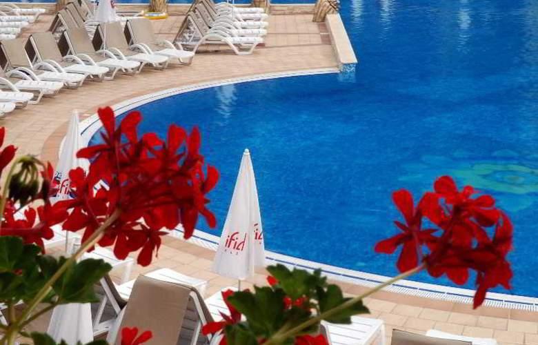 Grifid Hotel Bolero - Pool - 9