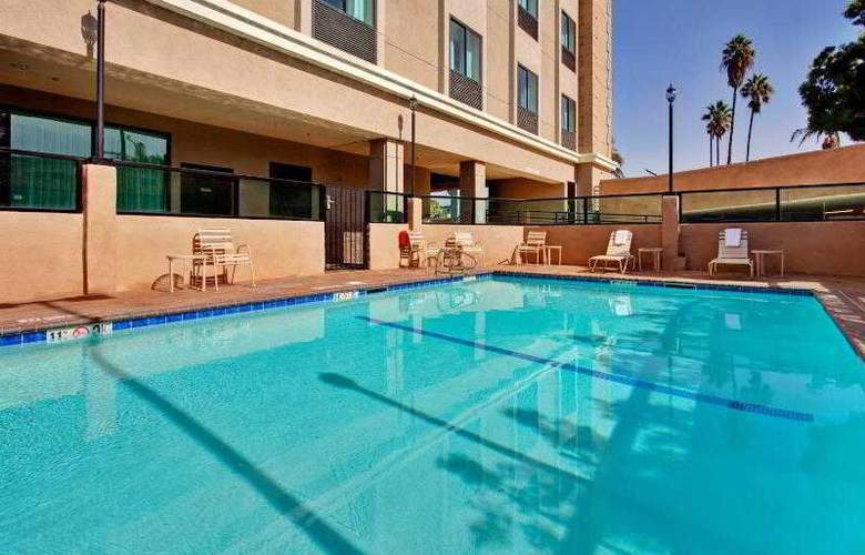 Holiday Inn Express Los Angeles Airport - Pool - 15