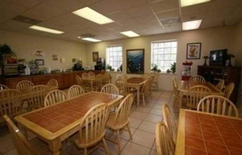 Super 8 South Padre Island - Restaurant - 10