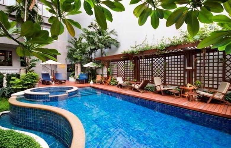 Silom Serene Boutique - Pool - 4