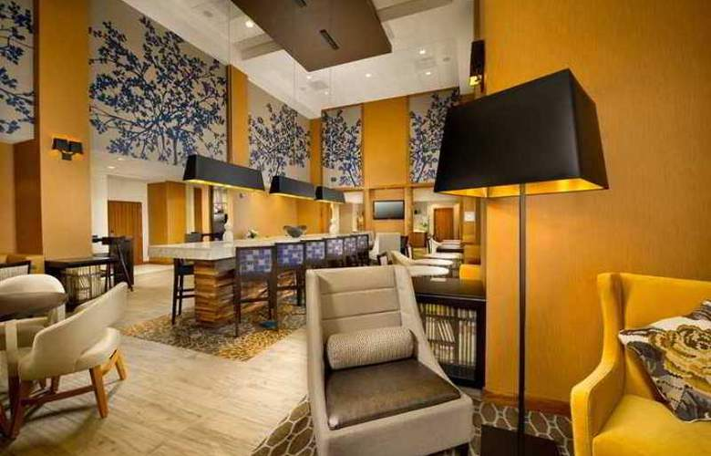 Hampton Inn and Suites Washington DC North Gaithe - Hotel - 1