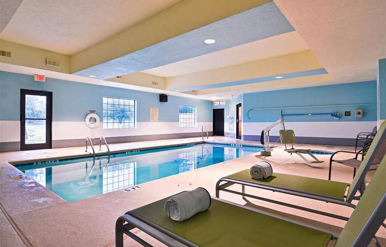 Best Western Bradbury Suites - Pool - 107