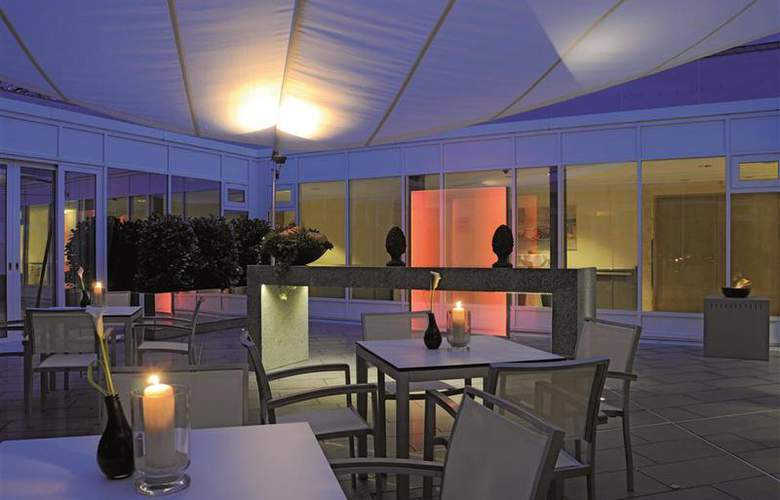 Best Western Premier Parkhotel Kronsberg - Restaurant - 52