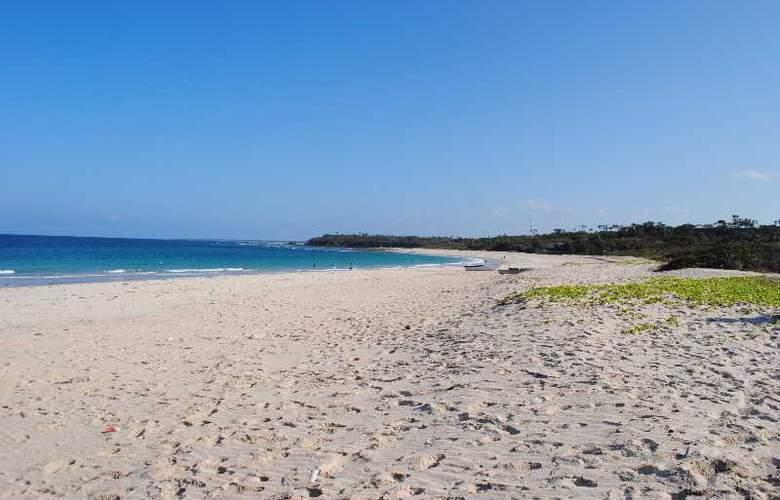 Changani Beach Cottages - Beach - 2