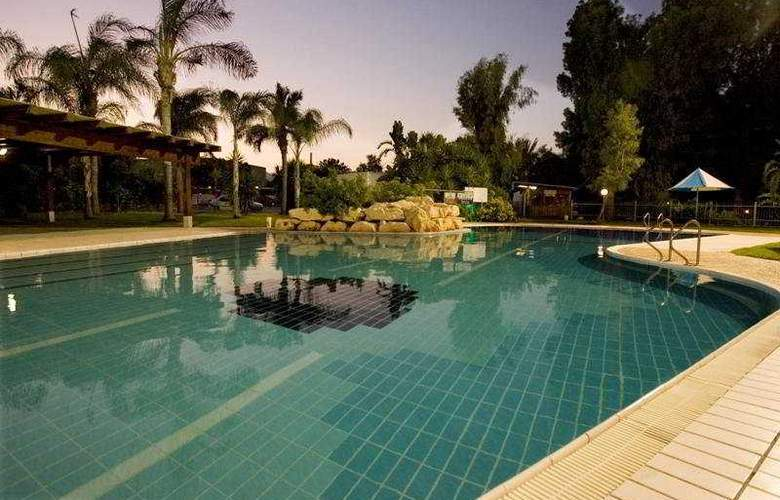 Nof Ginosar Hotel - Pool - 4