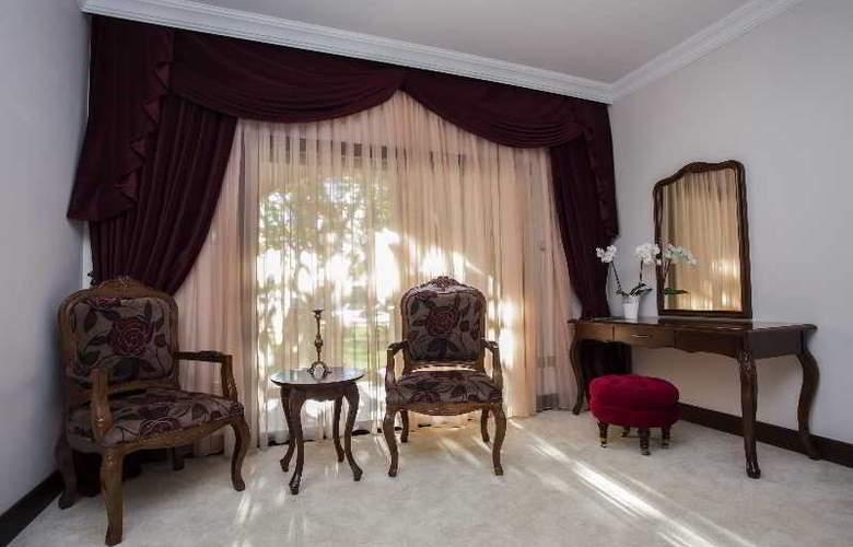 Chateau Lambousa Hotel - Room - 10