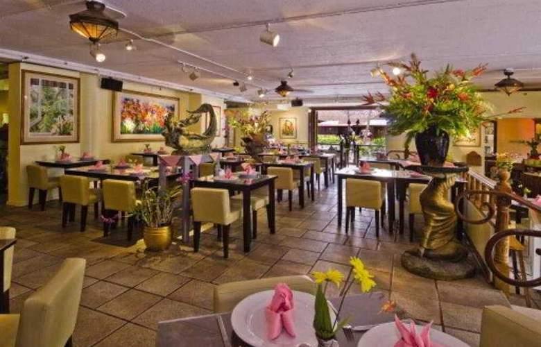 Ohana East - Restaurant - 6