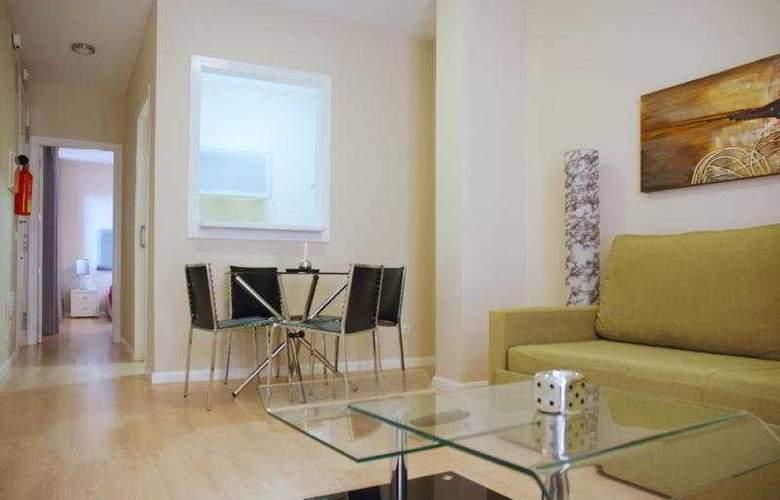 Apartamentos Metrópolis Sevilla - Room - 3