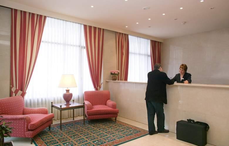 Unzaga Plaza - Hotel - 0