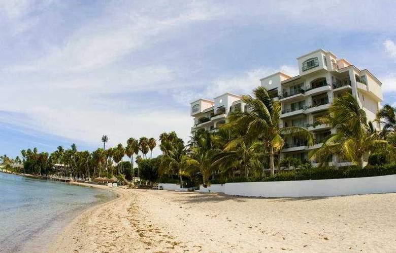 La Concha Beach Hotel - Beach - 5