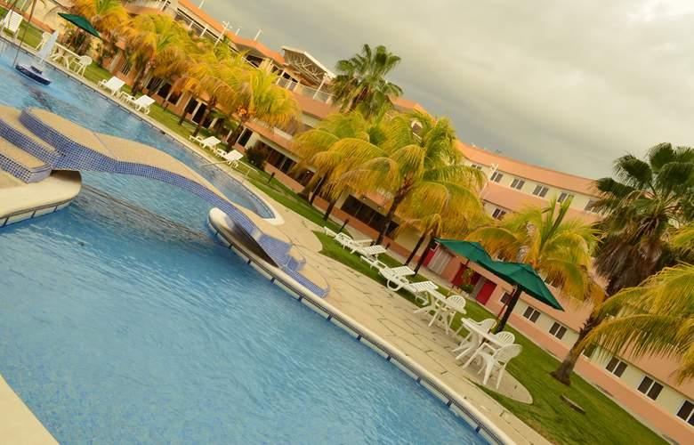 D&D Inn Tibana Caracas - Pool - 2