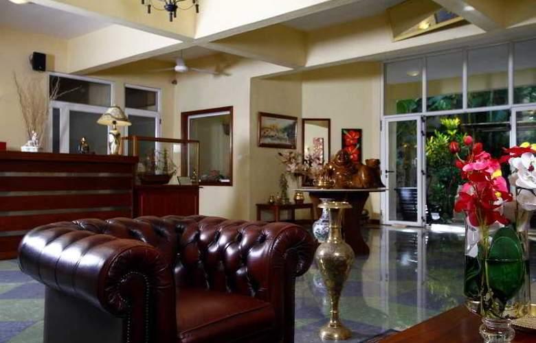Hibiscus Beach Resort & Spa - General - 13